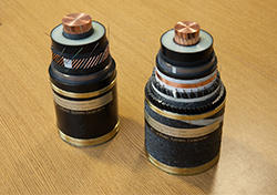 400 kV DC XLPE insulated cable samples:land cable (left) and submarine cable (right)