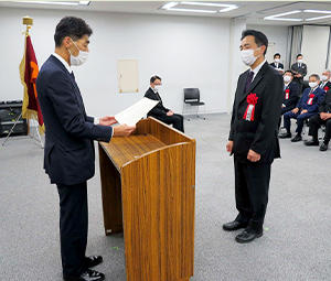 A scene from the letter of gratitude presentation ceremony